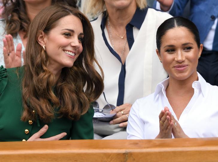 Фото №1 - Война герцогинь: из-за чего Кейт и Меган поссорились перед свадьбой Сассекских
