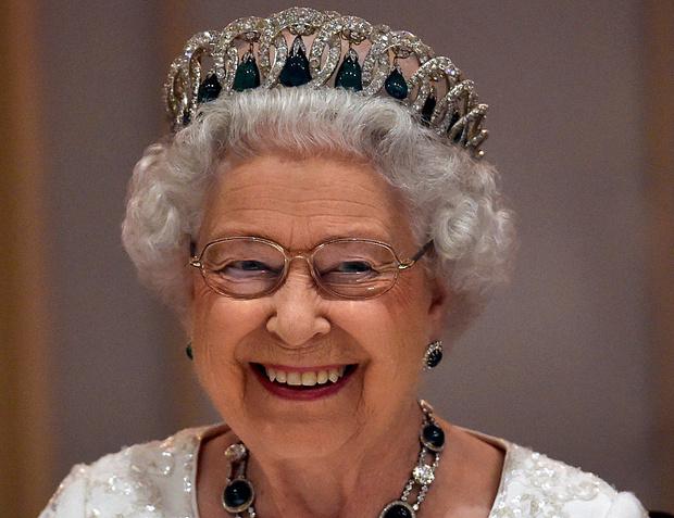 Фото №2 - Как персонал Королевы вынудил ее провести ночь в комнате для прислуги