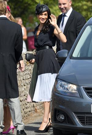 Фото №19 - Королевский тренд: платья в стиле color-blocking от первых британских модниц