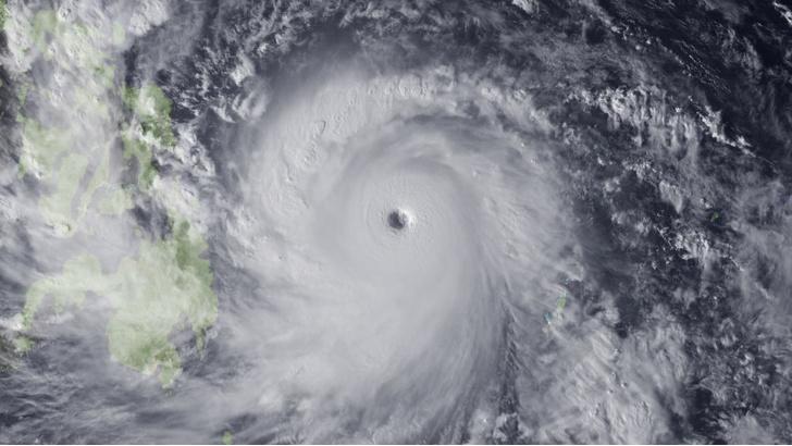 Фото №1 - Глаз бури: 7 удивительных фактов о тропических циклонах