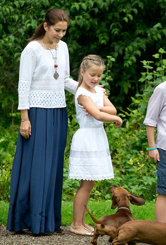 Фото №8 - «Датская Кейт Миддлтон»: 5 модных правил кронпринцессы Мэри