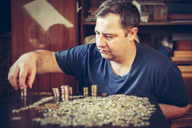 Фото №1 - На сколько дней россиянам хватит денег после увольнения: свежайшая статистика