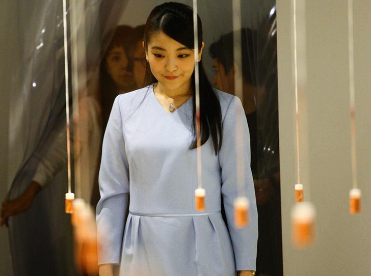 Фото №5 - Как жених принцессы Мако пытается возобновить подготовку к свадьбе (и кто ему мешает)