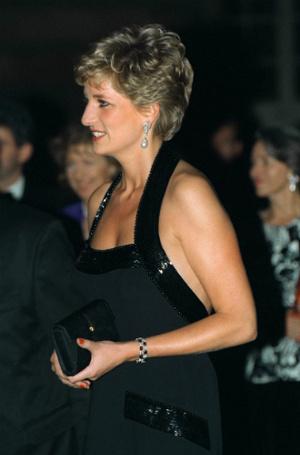 Фото №19 - Модная провокация: самые откровенные наряды принцессы Дианы