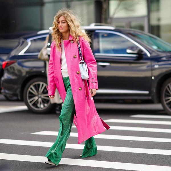 Фото №1 - Где купить цветные кожаные штаны— самый модный хит осени 2021