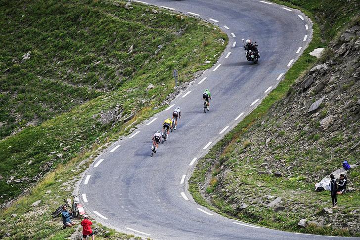 Фото №8 - Среди «горных королей»: репортаж с велогонки «Тур де Франс»