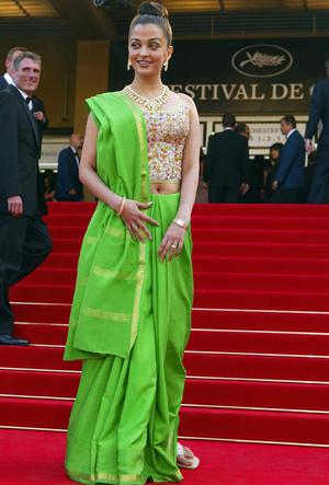 Фото №16 - Болливуд в Каннах: Айшвария Рай и все ее наряды за историю кинофестиваля