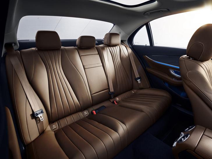 Фото №4 - Обновленный Mercedes-Benz E-класса оказался дороже BMW