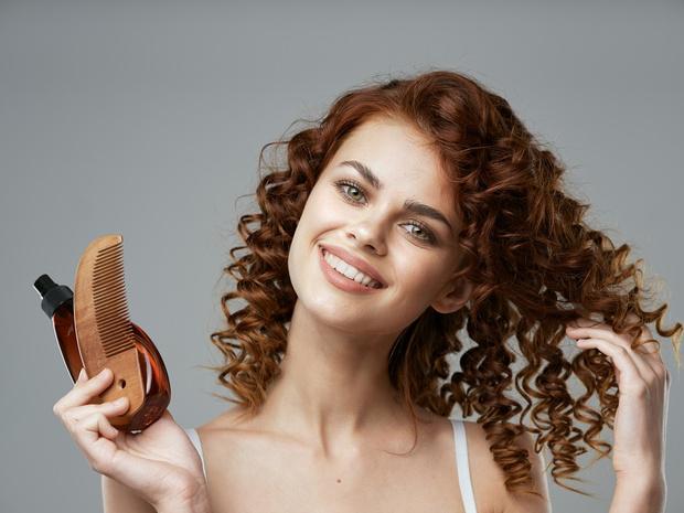 как правильно расчесывать кудрявые волосы