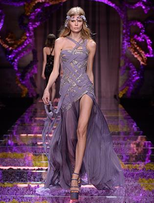 Фото №46 - Неделя Высокой Моды в Париже: Atelier Versace FW2015/16