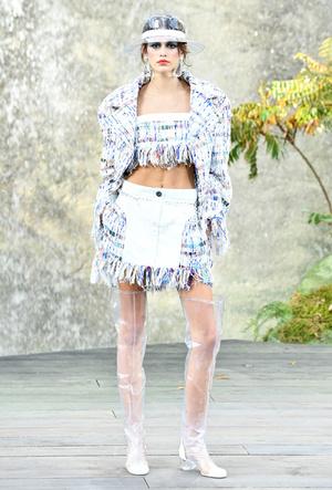 Фото №5 - Кайя Гербер стала лицом новой рекламной кампании Chanel