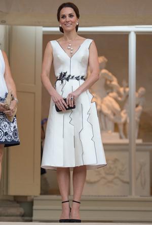 Фото №8 - Десять лет во дворце: как Кейт Миддлтон навсегда изменила королевский стиль