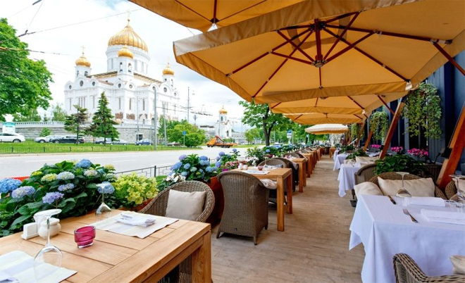 Фото №2 - Как в Европе! 5 ресторанов с открытой верандой