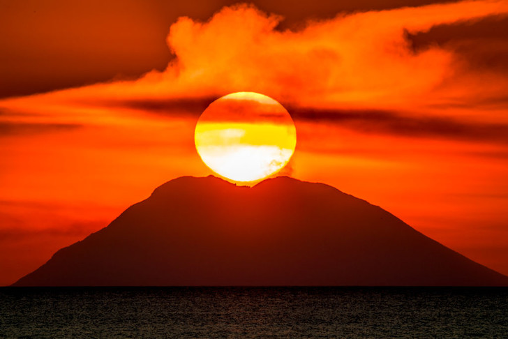 Фото №1 - Закат у вулкана