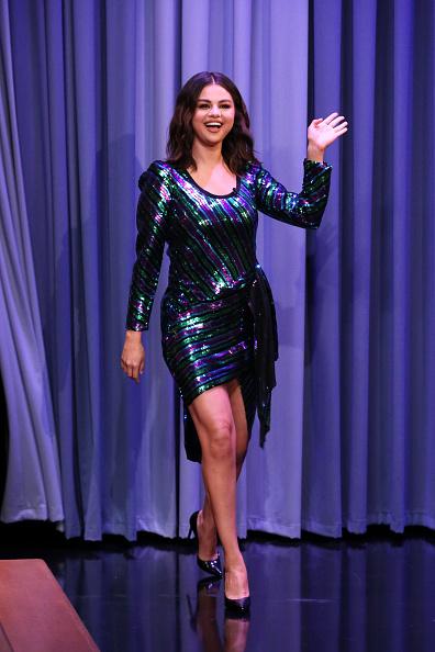 Фото №3 - Прости, Селена: 3 ошибки при выборе платьев, которых стоит избегать