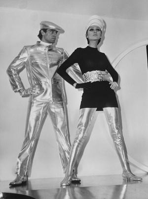 Фото №12 - Король футуризма: модные изобретения Пьера Кардена