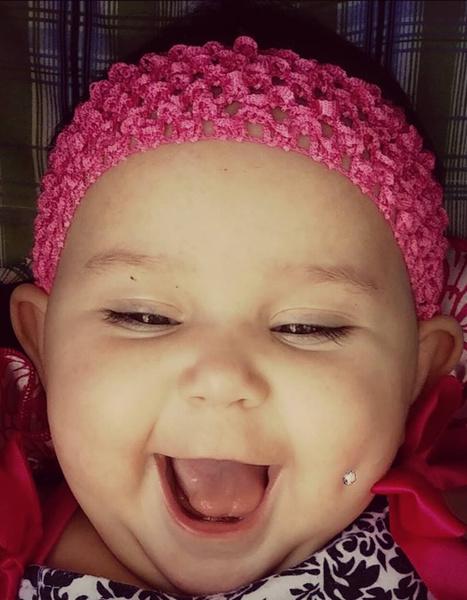 Фото №1 - Скандал в сети: мама сделала пирсинг годовалой дочери