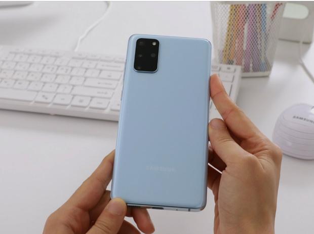 Фото №3 - Что нужно знать о флагманском смартфоне Samsung Galaxy S20