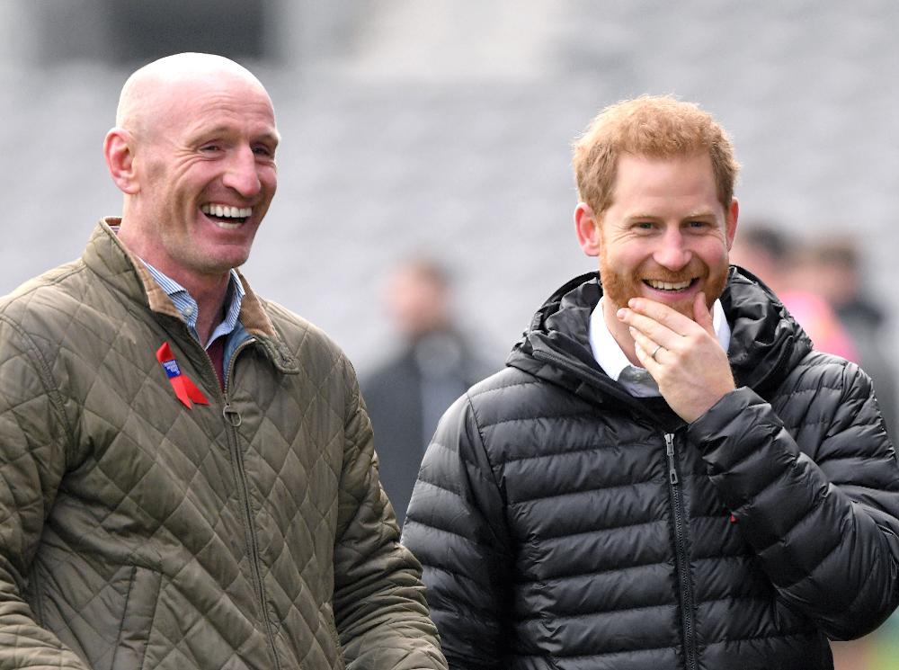 Фото №3 - Почему принцу Чарльзу пришлось краснеть на своем дне рождения (и при чем здесь Гарри)