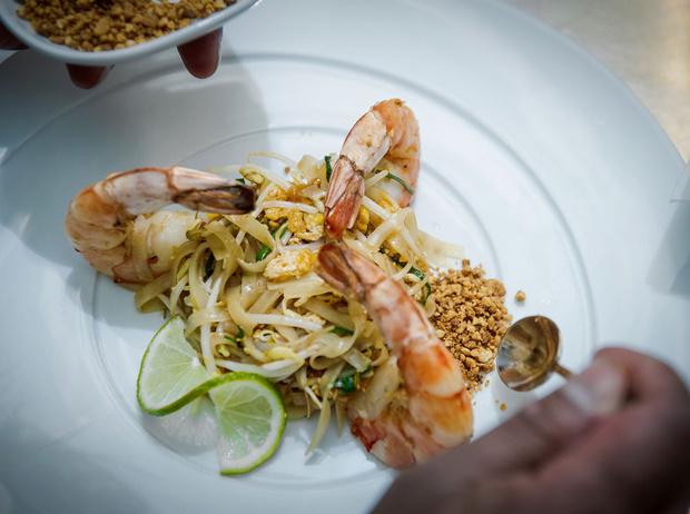 Фото №9 - Рецепт недели: рисовая тайская лапша с креветками