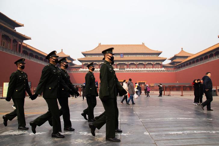 Фото №1 - Разбираемся: что такое новый коронавирус из Китая и стоит ли его бояться