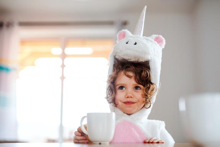 Фото №1 - Больно глотать: 5 домашних способов помочь ребенку с больным горлом