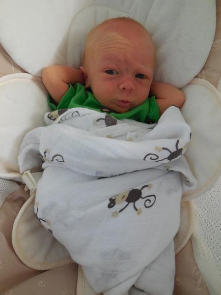 новорожденный младенец фото