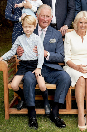 Фото №11 - Что рассказал о Кембриджских, Сассекских и Уэльских их семейный портрет