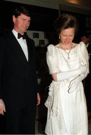Фото №3 - Два помолвочных кольца принцессы Анны: самые необычные украшения Виндзоров