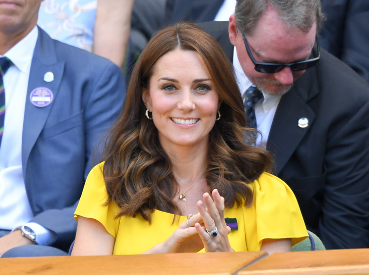 Фото №1 - Как герцогиня Кейт проводит время с королевой в Балморале