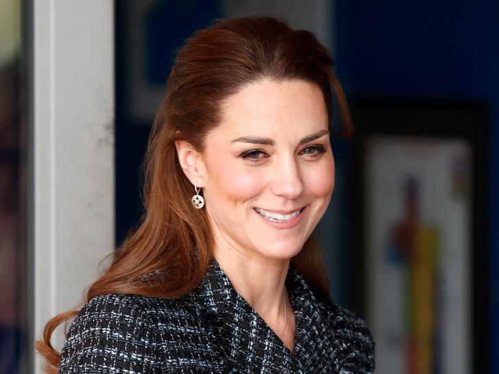 Фото №1 - Простой секрет здоровой и сияющей кожи герцогини Кейт