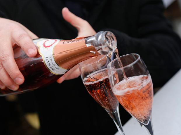 Фото №2 - Между красным и белым: каким бывает розовое вино