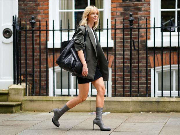 Фото №1 - Как носить массивные аксессуары: советы стилиста