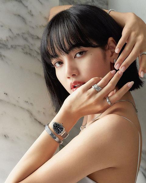 Фото №1 - K-pop макияж: учимся краситься в стиле корейских айдолов
