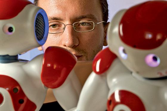 Фото №2 - 5 причин, по которым роботы не могут заменить человека