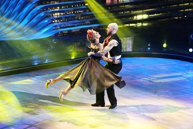 Фото №3 - Лазарев заплакал, Дава поведал о предательстве: в полуфинале шоу «Танцы со звездами» участники рассказали свои истории любви