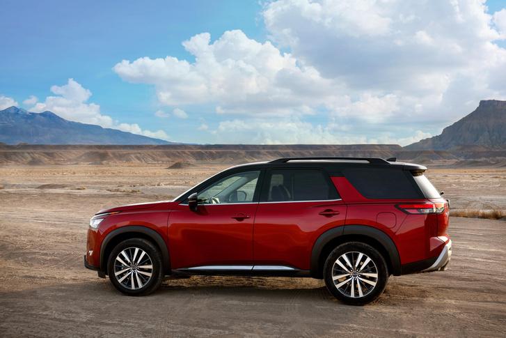 Фото №2 - Почти как BMW Х5, только дешевле: Nissan представил новый внедорожник