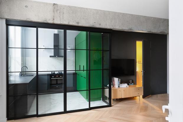 Фото №2 - Color Blocking: яркая квартира 63 м² в сталинке
