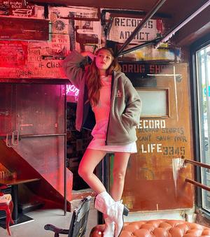 Фото №10 - В стиле Хёны: носим ретро и радуемся жизни