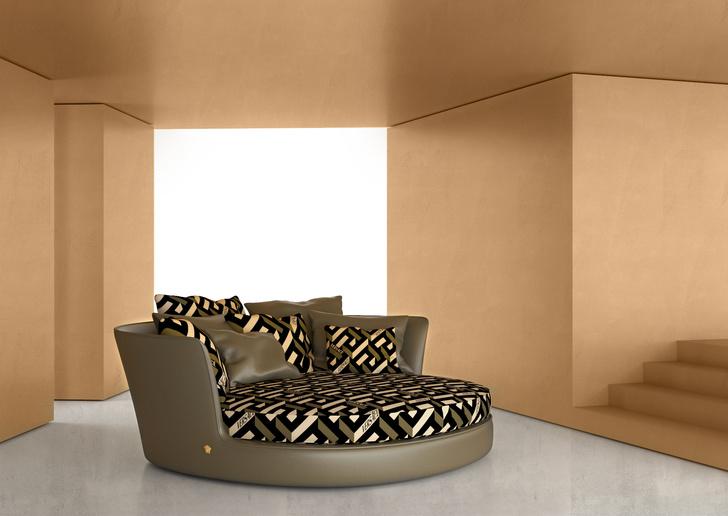 Фото №5 - Новая коллекция Versace Home в Милане