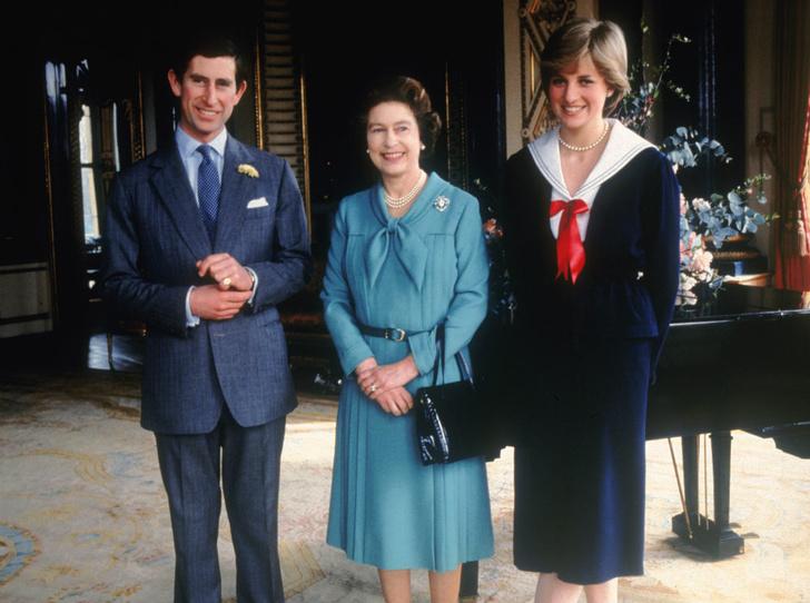 Фото №1 - Обреченные на развод: почему Королева никогда не верила в брак Дианы и Чарльза