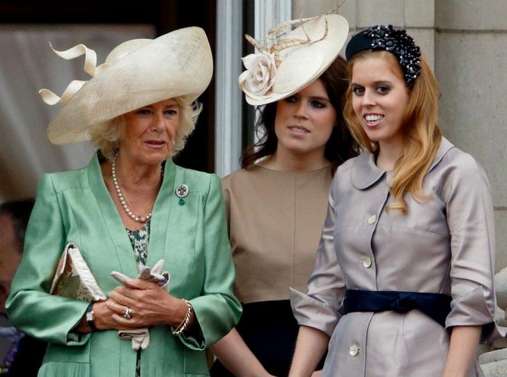Фото №3 - Кого из королевской семьи расстроила свадьба принцессы Беатрис