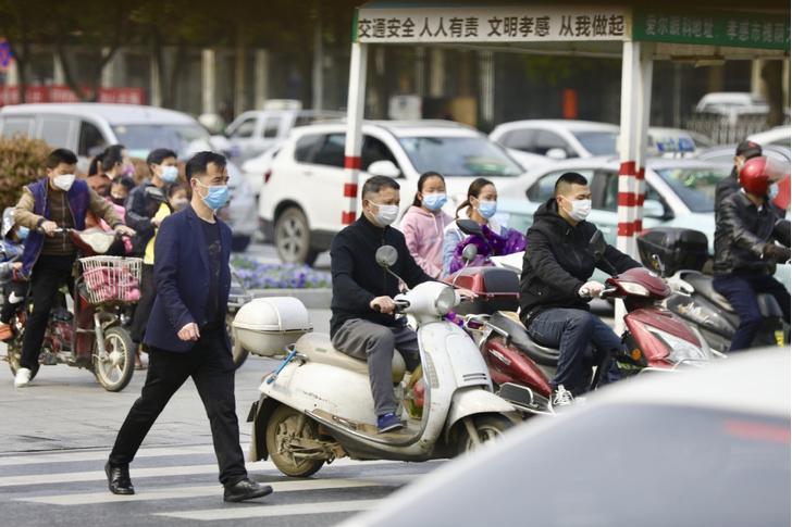 Фото №1 - Китай отменяет карантин в провинции Хубэй, откуда все и началось