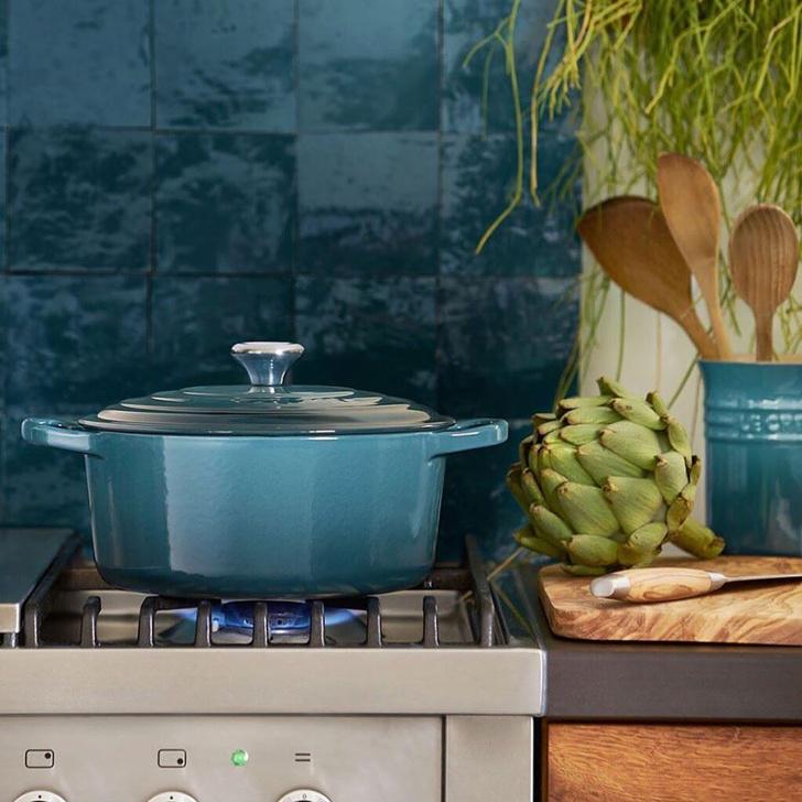 Фото №1 - Тренды 2020: модные цвета для кухни-гостиной