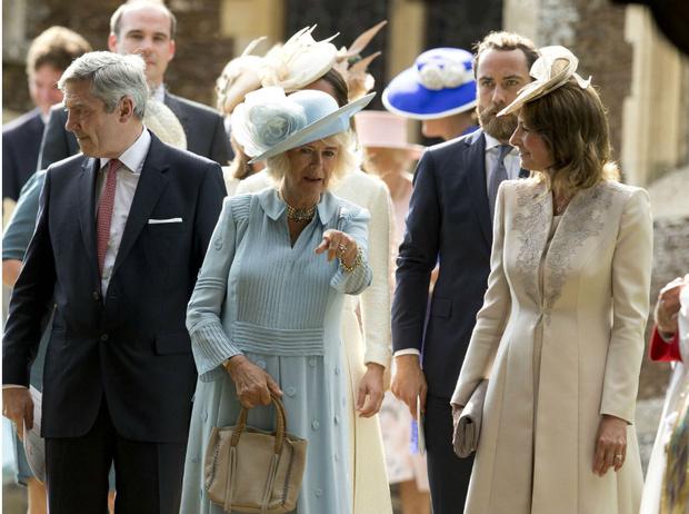 Фото №3 - Жестокие шутки: как герцогиня Камилла называет родителей Кейт (и почему)