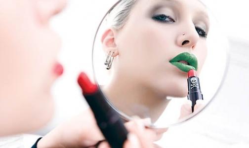 Фото №1 - Названы самые опасные ингредиенты в составе косметики