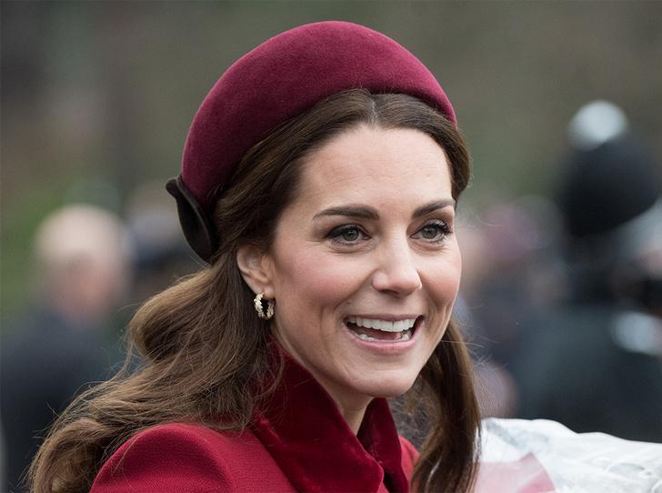 Фото №1 - Из простолюдинок в аристократки: как Кейт Миддлтон изменилась за 10 лет рядом с Королевой