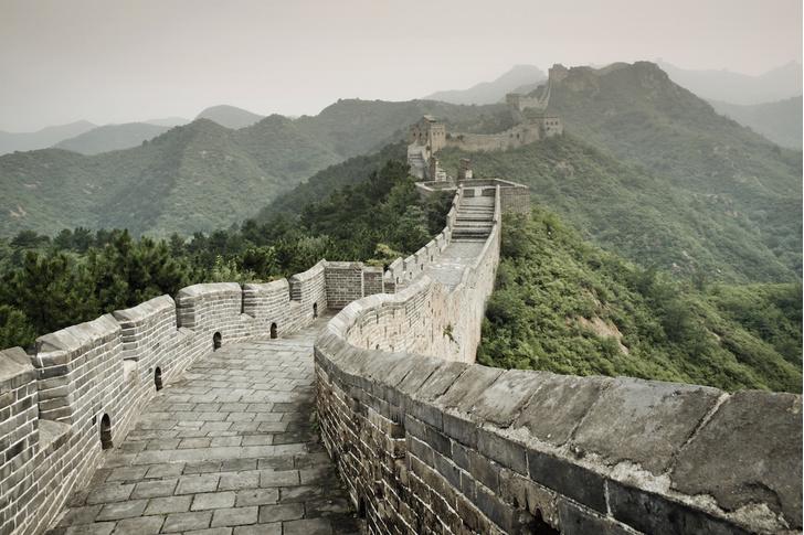 Фото №1 - Туристов приглашают провести ночь на Великой Китайской стене