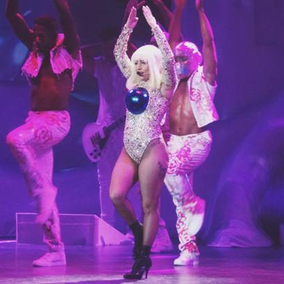 Фото №1 - Бьюти-эволюция: как Леди Гага хорошеет от любви