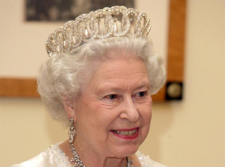 Фото №9 - Самые красивые королевские тиары современности